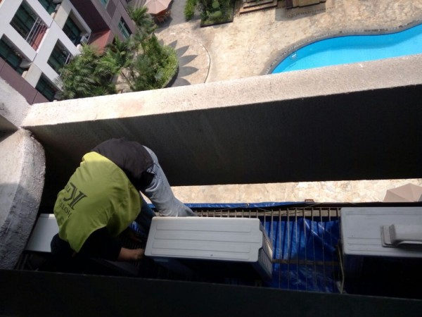 Service AC Outdoor